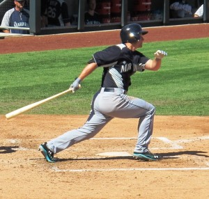 Kyle Seager rips a double