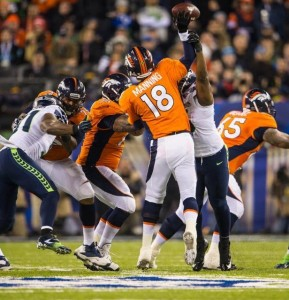 Cliff Avril bringing the heat on Peyton Manning