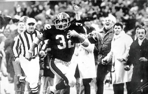 """Franco Harris on way to end zone after his """"Immaculate Reception"""""""